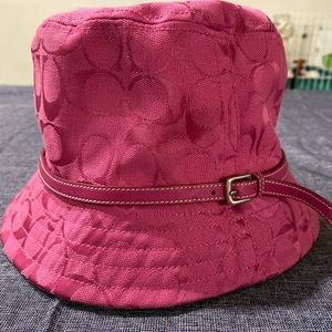 NWOT Coach Bucket Hat